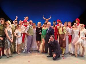 Los actores del Washington Ballet, algunos ataviados a la usanza sanferminera.