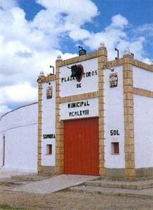Fachada de la plaza de toros de la localidad navarra de Cintruénigo.