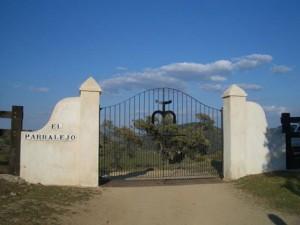 Entrada a la finca de El Parralejo.