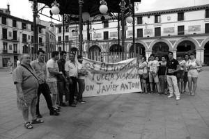 Un momento de la concentración. Fotografía: Diario de Navarra.