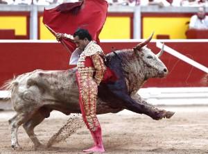 Cambiado por detrás de Fandiño ante el tercer toro de Fuente Ymbro.