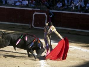 Natural al quinto de Antonio Lomelón, que fue el triunfador de la tarde.