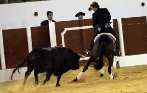 Hermoso, sobre 'Disparate', hizo vibrar en Antequera al ejecutar la hermosina.