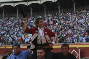 Hermoso de Mendoza consiguió su décima puerta grande en Palencia.