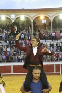 Hermoso de Mendoza sale a hombros en Pozoblanco.