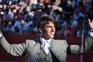 Roberto Armendáriz sigue triunfando en las plazas europeas.