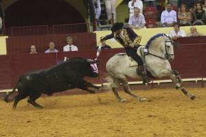 Hermoso de Mendoza eligió a 'Napoleón' para recibir a sus dos oponentes.