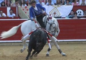 El caballero navarro montando a 'Pirata', ayer en Albacete.