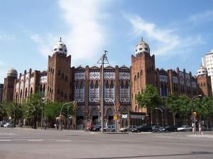 Fachada de la plaza Monumental de Barcelona.