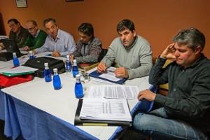 Juan José Crespo, segundo por la derecha, en un momento de la asamblea. Fotografía: Montxo A. G.