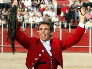 El caballero navarro debutó en Cihuatlán y logró el primer rabo de su temporada mexicana.