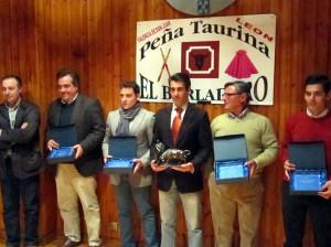Francisco Marco, en el centro, con el resto de premiados en Valencia de Don Juan.
