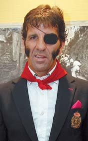 Juan José Padilla con el pañuelico rojo al cuello. Fotografía: Diario de Navarra.
