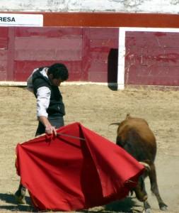 Derechazo de Andrés Palacios a una erala de Reta.