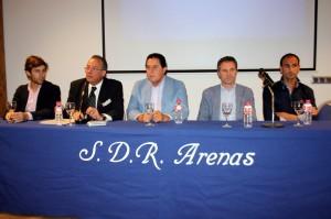 De izda. a dcha., el novillero Javier Marín, el moderador Pablo Martínez Sangüesa y los matadores de toros Tomás Campuzano, Sergio Sánchez y Alberto Álvarez.