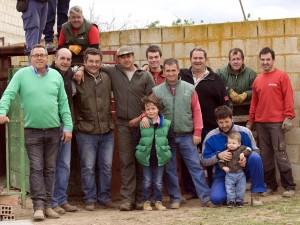 El equipo del herradero con el ganadero Baigorri, primero por la izquierda. Fotografía: Luis Miguel Ortega.