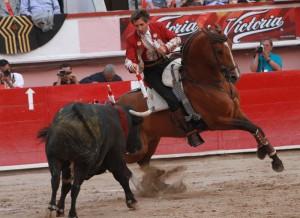 El caballero navarro eligió a 'Machete' para los dos últimos tercios en Aguascalientes.