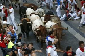 Momento de un encierro en la Cuesta de Santo Domingo.