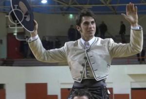 Roberto Armendáriz consiguió una nueva puerta grande en vísperas de la víspera de San Fermín.