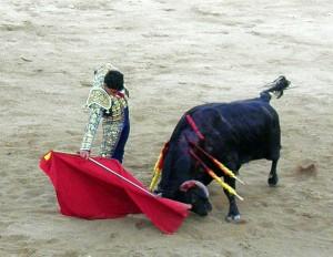 Derechazo de Juan de Casitlla al que cerró plaza. Fotografía: Isabel Virumbrales.