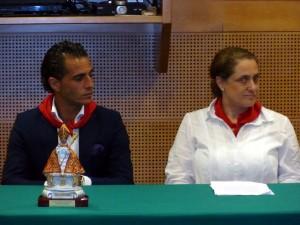 Iván Fandiño y la consejera delegada del Grupo la Información, Conchita Basarte Galbete.