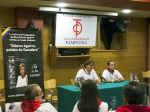 El autor, Eneko Andueza, durante la presentación de su libro. Fotografía: M. A. Coronado.