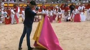 Talavantte ha dado en Pamplona una clase magistral de toreo, dirigida a los más pequeños.