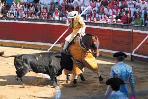 Los toros de Cebada Gago cumplieron sobradamente en varas y recibieron duro castigo. Fotografía: Galdona.