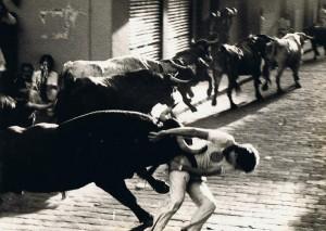 Los toros de Marqués de Albaserrada por la calles de Paplona el 14 de julio de 1980.