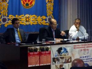 Javier Castaño, Antonio Purroy y Alain Bonijol durane la ponencia sobre la suerte de varas.
