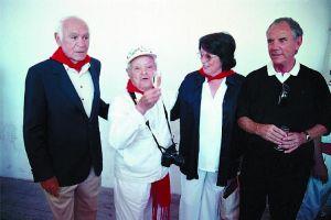 El marqués de Albaserrada y su esposa junto a Canito y Pedro Osinaga en unas fiestas de San Fermín.