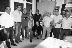 Los premiados con sus respectivos trofeos en Cascante. Fotografía: Rafael Villafranca.