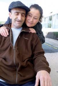 Orlando Gil junto a su esposa, Magdalena Guerrero, el miércoles pasado.  Fotografía: Ignacio Murillo.