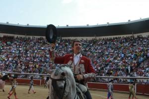 La presencia del caballero navarro provocó un lleno histórico en la plaza de Cali.