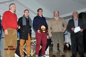 Los hermanos Ustárroz con miembros de la directiva del Club Taurino de Buñuel. Fotografía: Luis Chueca.