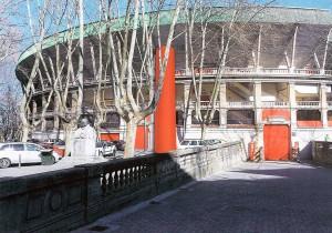 Fotomontaje del ascensor exterior en la plaza de toros de Pamplona. Imagen: Diario de Navarra.