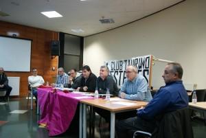 La junta directiva del Club Taurino Esellés durante la última asamblea anual de esta entidad.