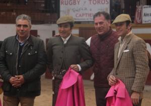 José Ángel Santafé, a la izquierda, junto a El Fundi, Bote y Joselito en Magescq tras concluir el tentadero público.