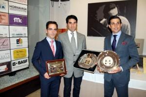 Los premiados. De izda. a dcha., Pablo Simón, Salvador Vega y Víctor Nieto.