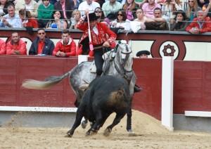 Hermoso de Mendoza, el año pasando en Las Ventas, toreando con 'Churumay'.