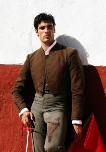 Javier Antón, vestido de corto, en la plaza de tientas de Núñez del Cuvillo.