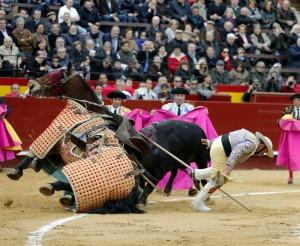 El primero entró tres veces al caballo y derribó en el segundo encuentro. Fotografía: Arjona.