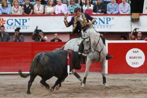 Hermoso de Mendoza toreando con 'Viriato' el jueves pasado en la plaza de Aguascalientes.