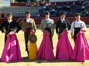 De izda. a dcha., Juan de María, Miguel Ángel Pacheco, el triunfador de la tarde, Adrián Henche, José Ruiz Magaña y Javier Gallardo.