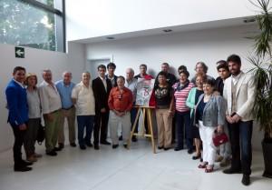 Marco, Paulita, Armendáriz, Manolito de los Reyes y El Luri, con los socios fundadores del Club Taurino de Berriozar.