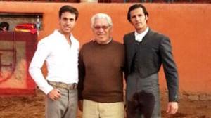 Marcos Garvias junto a David Mora y José Mauricio. Fotografía: Aplausos.es