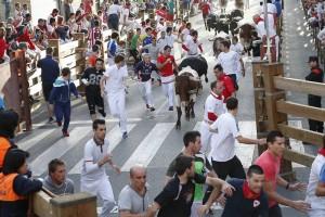 El segundo encierro de las fiestas de Tudela se ha saldado sin heridos por asta. Fotografía: Blanca Aldanondo.
