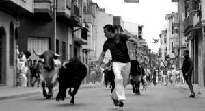 El corredor Javier Velasco en un tramo de la carretera de Estella, antes de la curva con Delicias. Fotografía: Susana Esparza.
