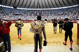 Primer paseíllo en Illumbe tras el regreso de la fiesta a la capital guipuzcoana.