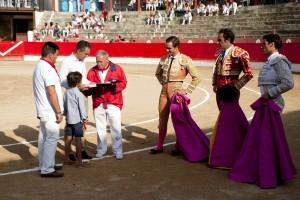 Momento del homenaje a Sergio Sánchez sobre el ruedo corellano.